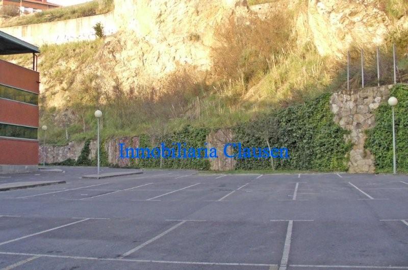 06ext_parking-1-800x530.jpg